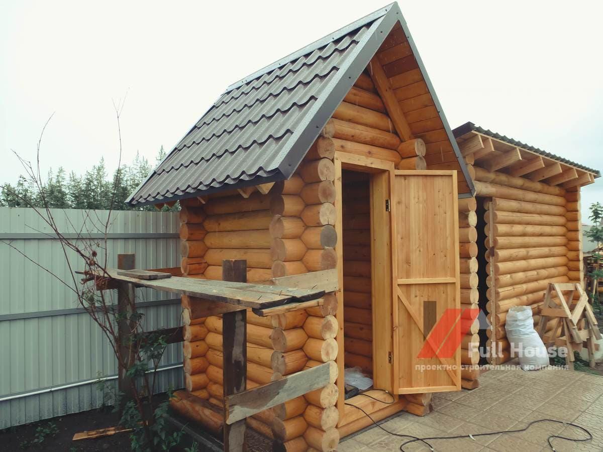 Деревянный дачный туалет купить сруб в Новосибирске