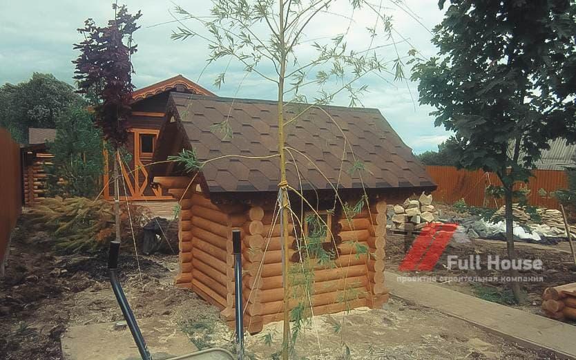 Деревянный детский домик из бревна