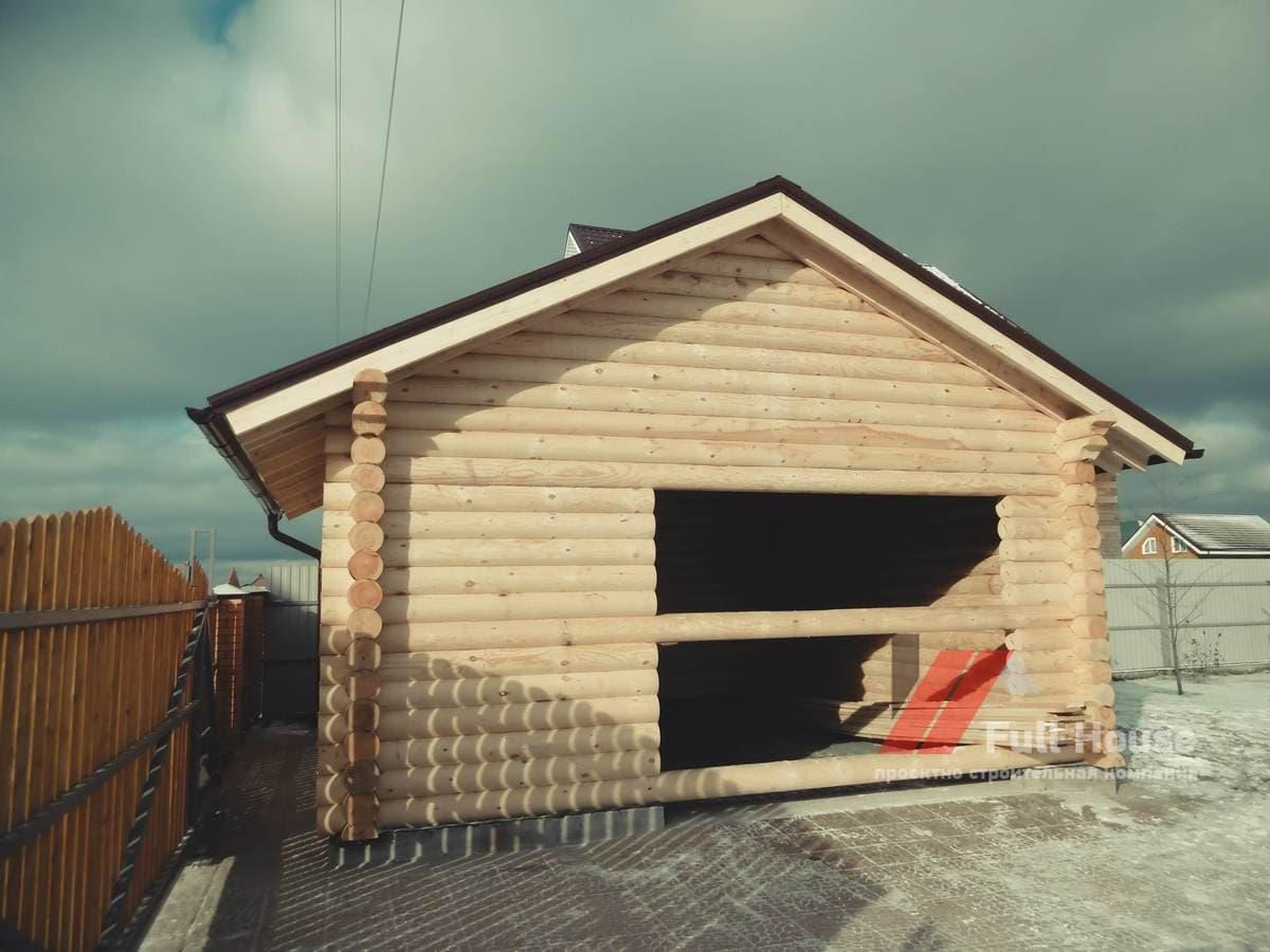 Сруб деревянного гаража из бревна. Новосибирск