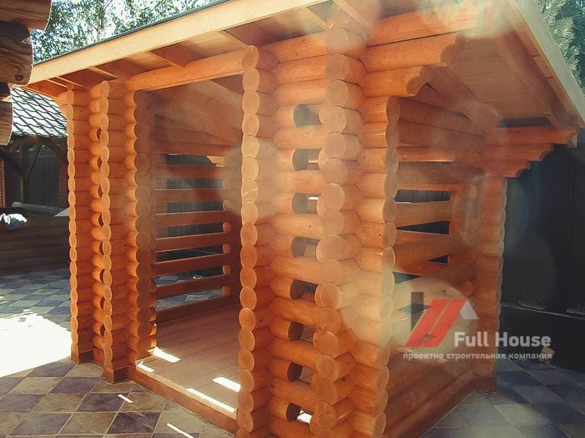 Деревянный хозблок. Бытовка. Дровник из бревна для бани. Новосибирск