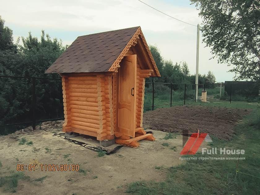 Деревянный туалет 1,5 на 1,5 под ключ в Новосибирске