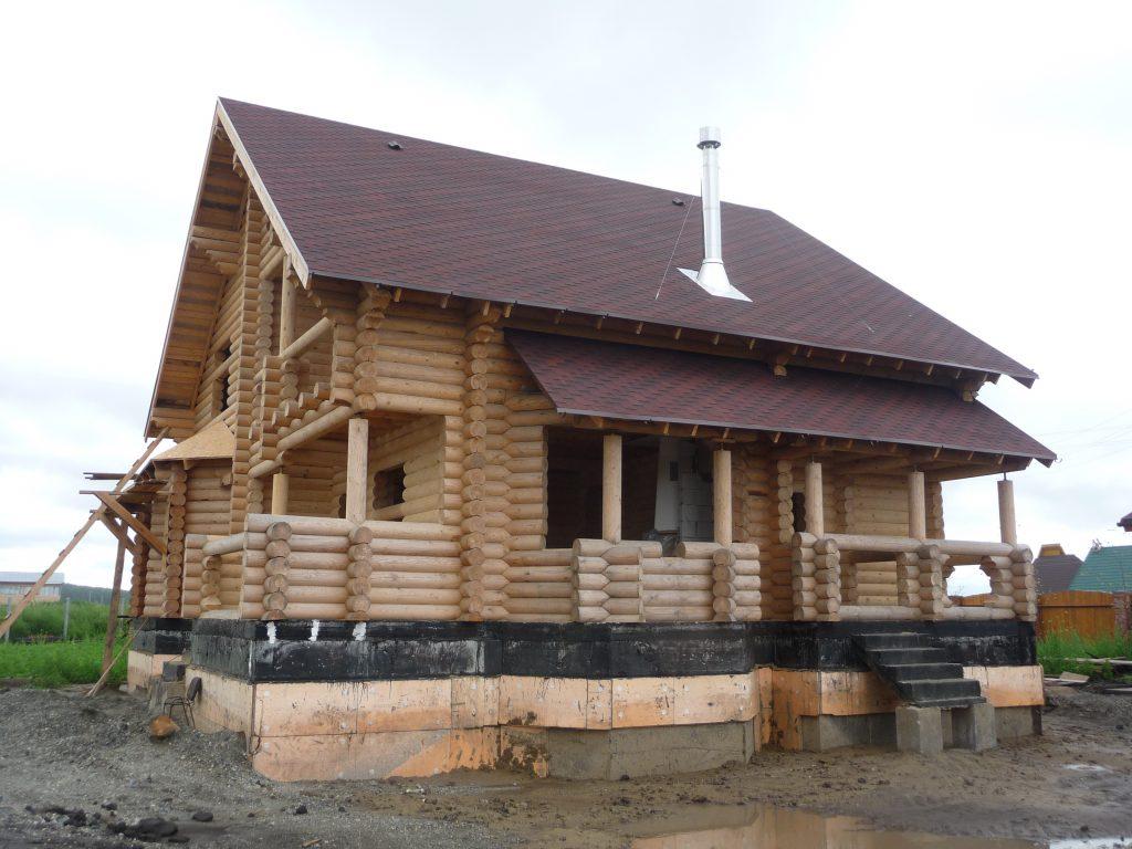 Сборка сруба загородного дома из бревна под ключ. Новосибирск. Звоните: 299-90-77.