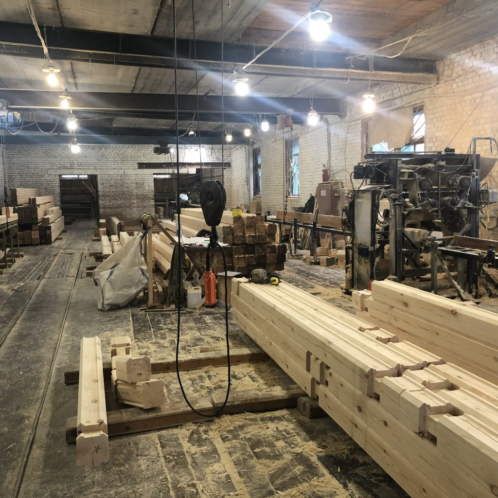Производим цельноламельный клееный брус в Новосибирске.